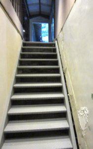 わかうら食堂19・鉄の階段